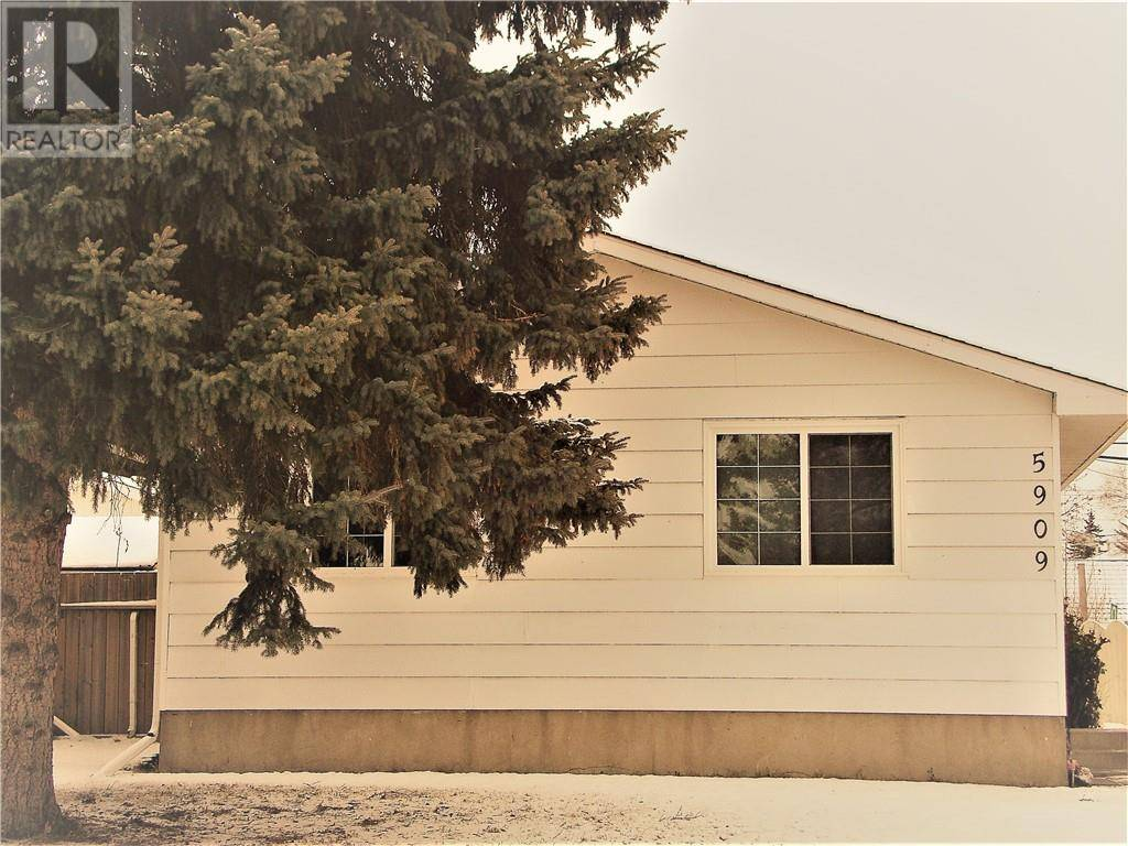 House for sale at 5909 53 Ave Red Deer Alberta - MLS: ca0184320