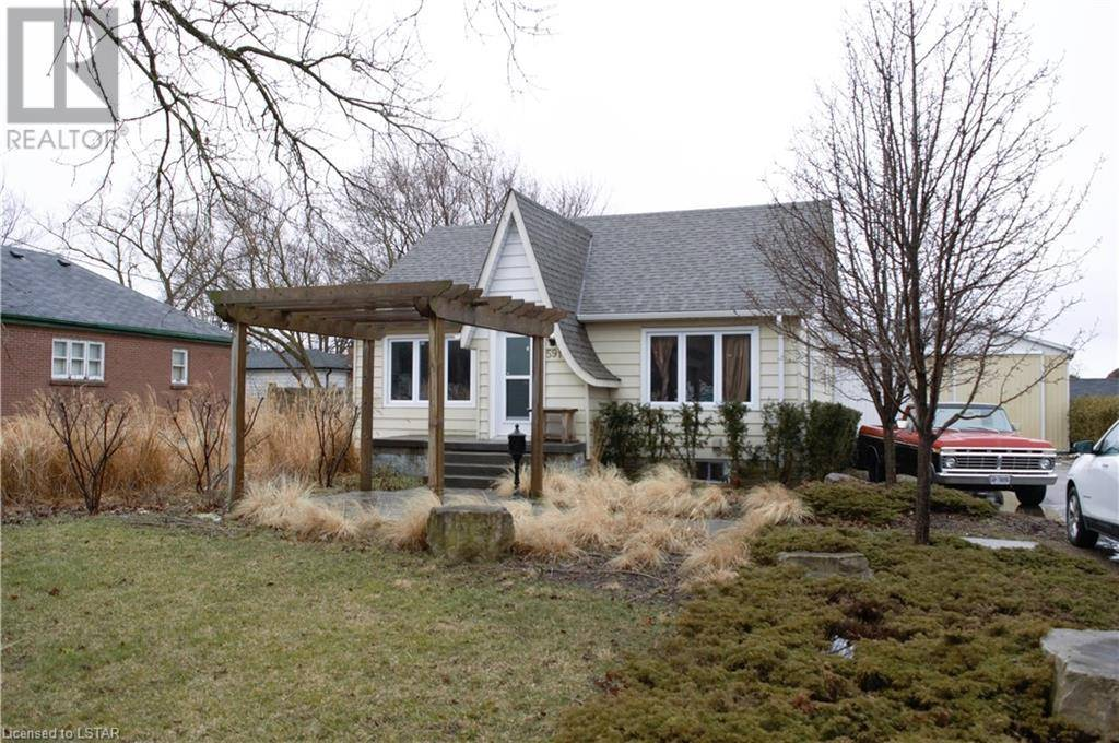 House for sale at 591 First St London Ontario - MLS: 252111