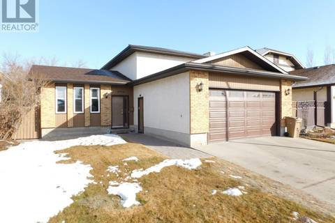 House for sale at 5910 Steele Cres Regina Saskatchewan - MLS: SK800459