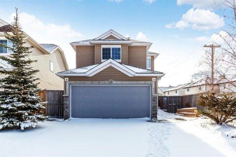 House for sale at 5913 Saddlehorn Dr NE Calgary Alberta - MLS: A1049949
