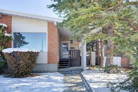 Townhouse for sale at 5916 37 St Southwest Calgary Alberta - MLS: C4272489