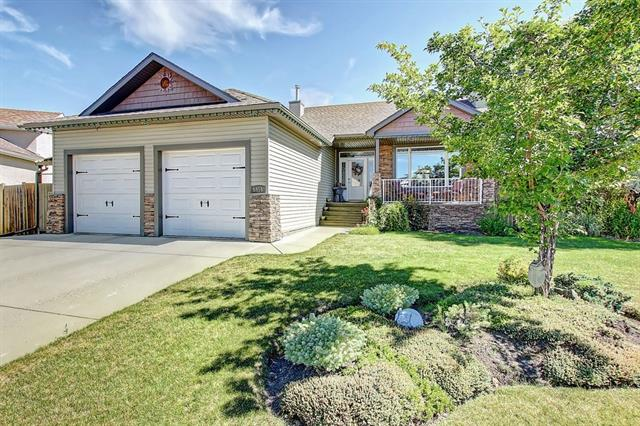 Sold: 5919 Park Meadows Crescent, Olds, AB