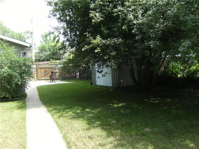 For Sale: 594 3 Avenue Southeast, Three Hills, AB | 3 Bed, 2 Bath House for $259,000. See 30 photos!