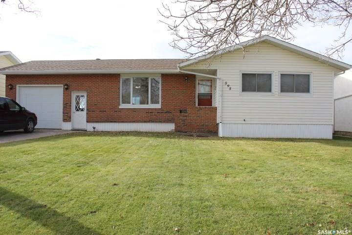 House for sale at 595 9th St W Shaunavon Saskatchewan - MLS: SK809955