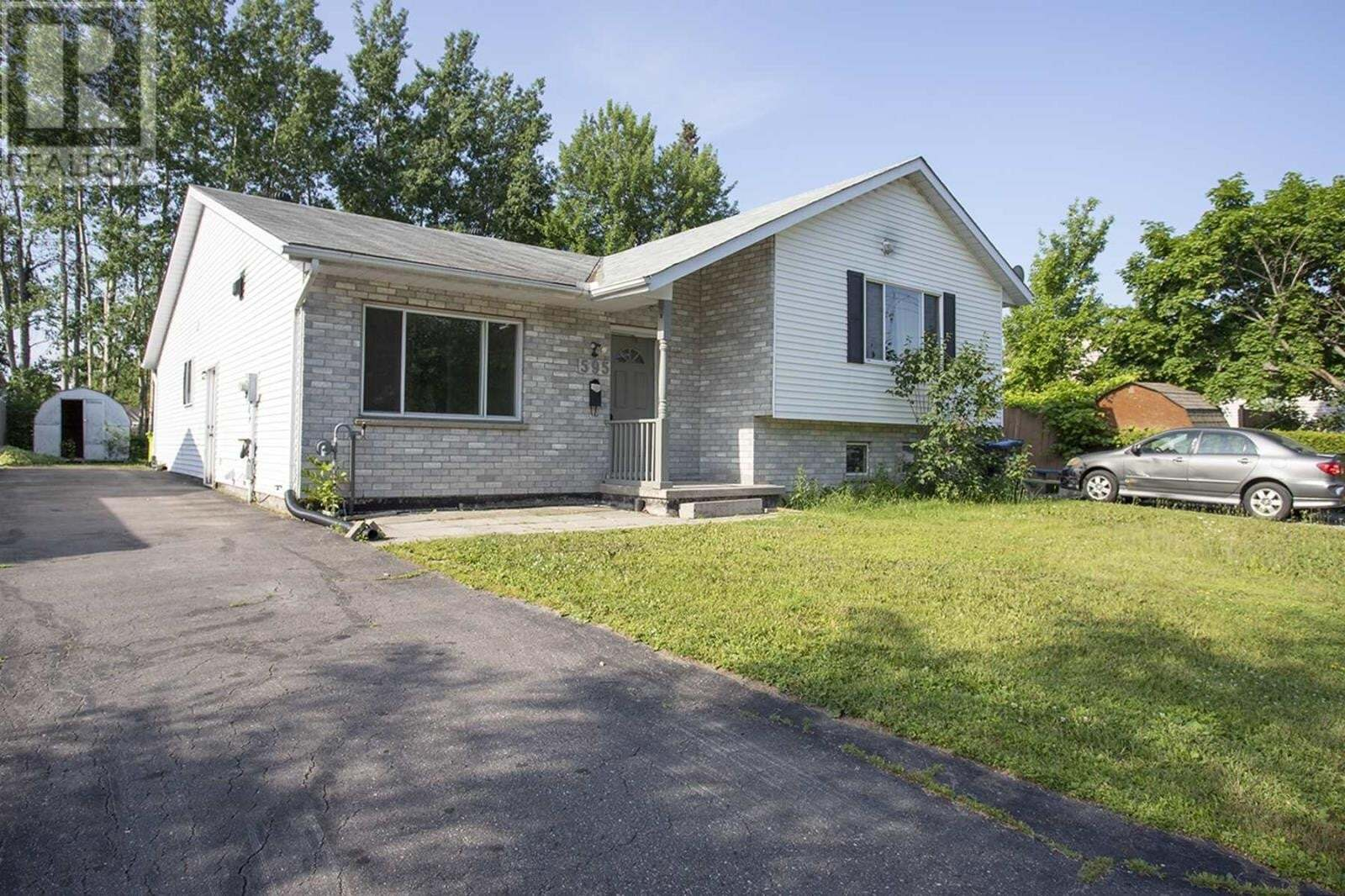House for sale at 595 Northern Ave Sault Ste. Marie Ontario - MLS: SM129108