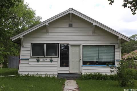 House for sale at 596 1st St E Shaunavon Saskatchewan - MLS: SK797554