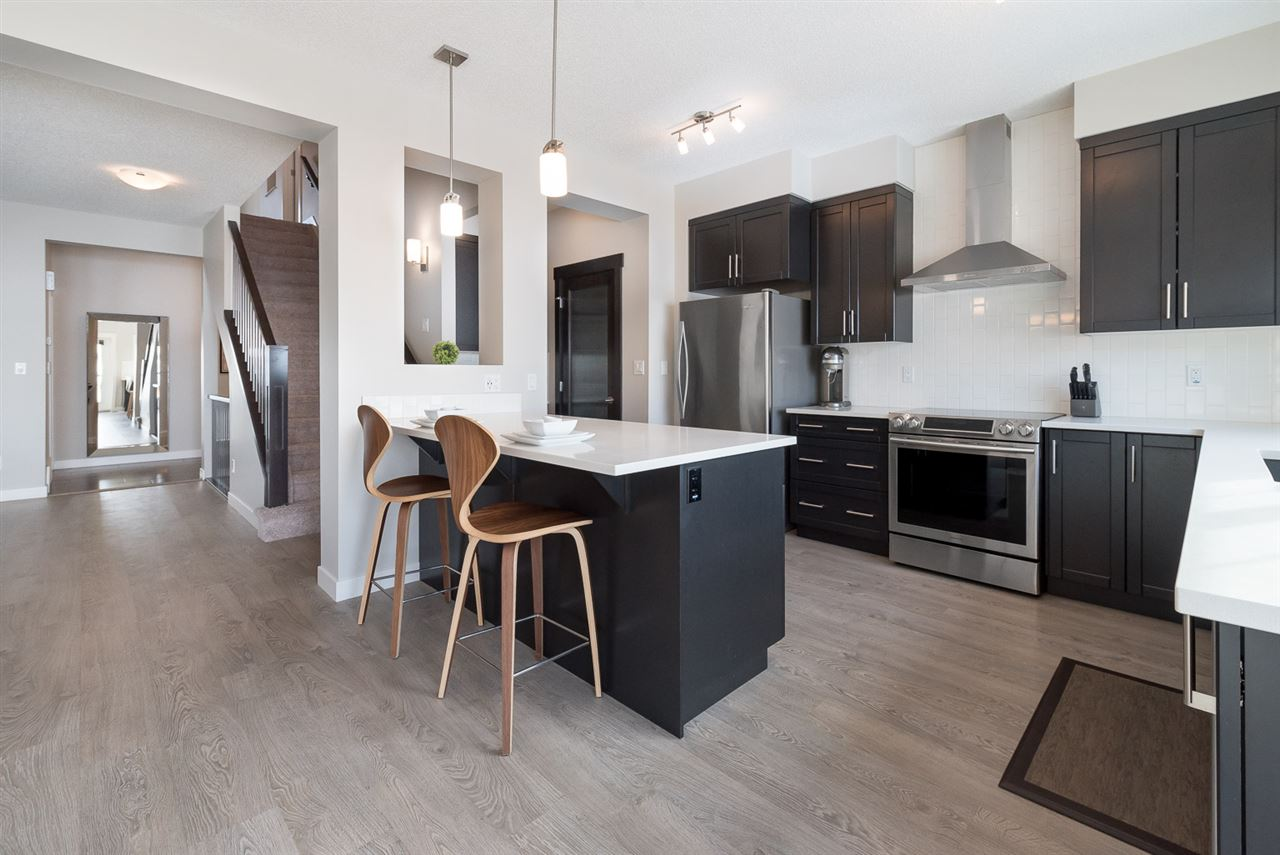 For Sale: 5963 Edmonds Crescent, Edmonton, AB   3 Bed, 2 Bath House for $595,000. See 30 photos!