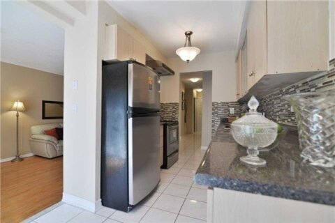 Townhouse for rent at 5969 Chidham Clse Mississauga Ontario - MLS: W4966576