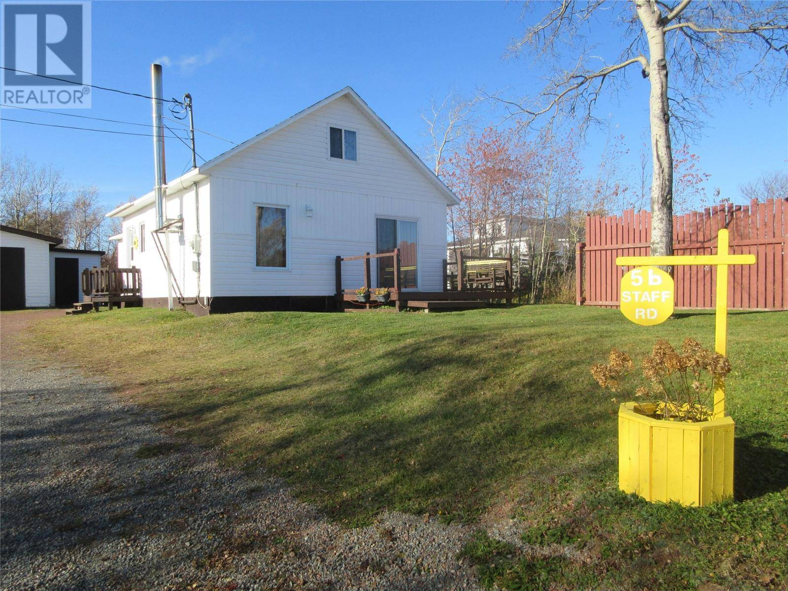 House for sale at 5 Staff Rd Botwood Newfoundland - MLS: 1198991