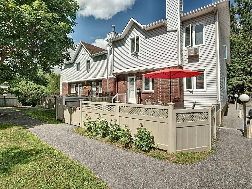 Townhouse for sale at 5 Henry Goulburn Wy Stittsville Ontario - MLS: 1165925