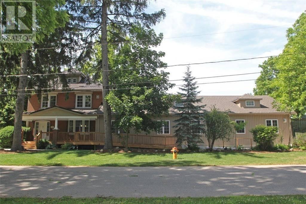 Buliding: 125 Richardson Street, Rockwood, ON