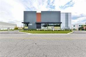 Commercial property for sale at 2165 Buckingham Rd Unit 6 Oakville Ontario - MLS: O4940632