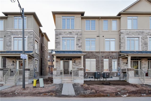 For Rent: 3026 Postridge Drive, Oakville, ON   3 Bed, 3 Bath Townhouse for $2,750. See 14 photos!