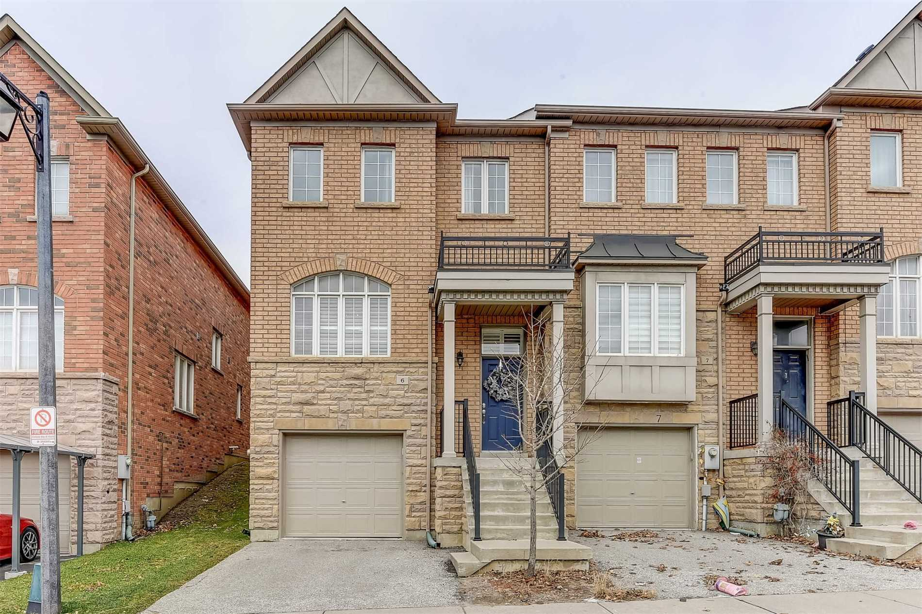Buliding: 700 Summeridge Drive, Vaughan, ON