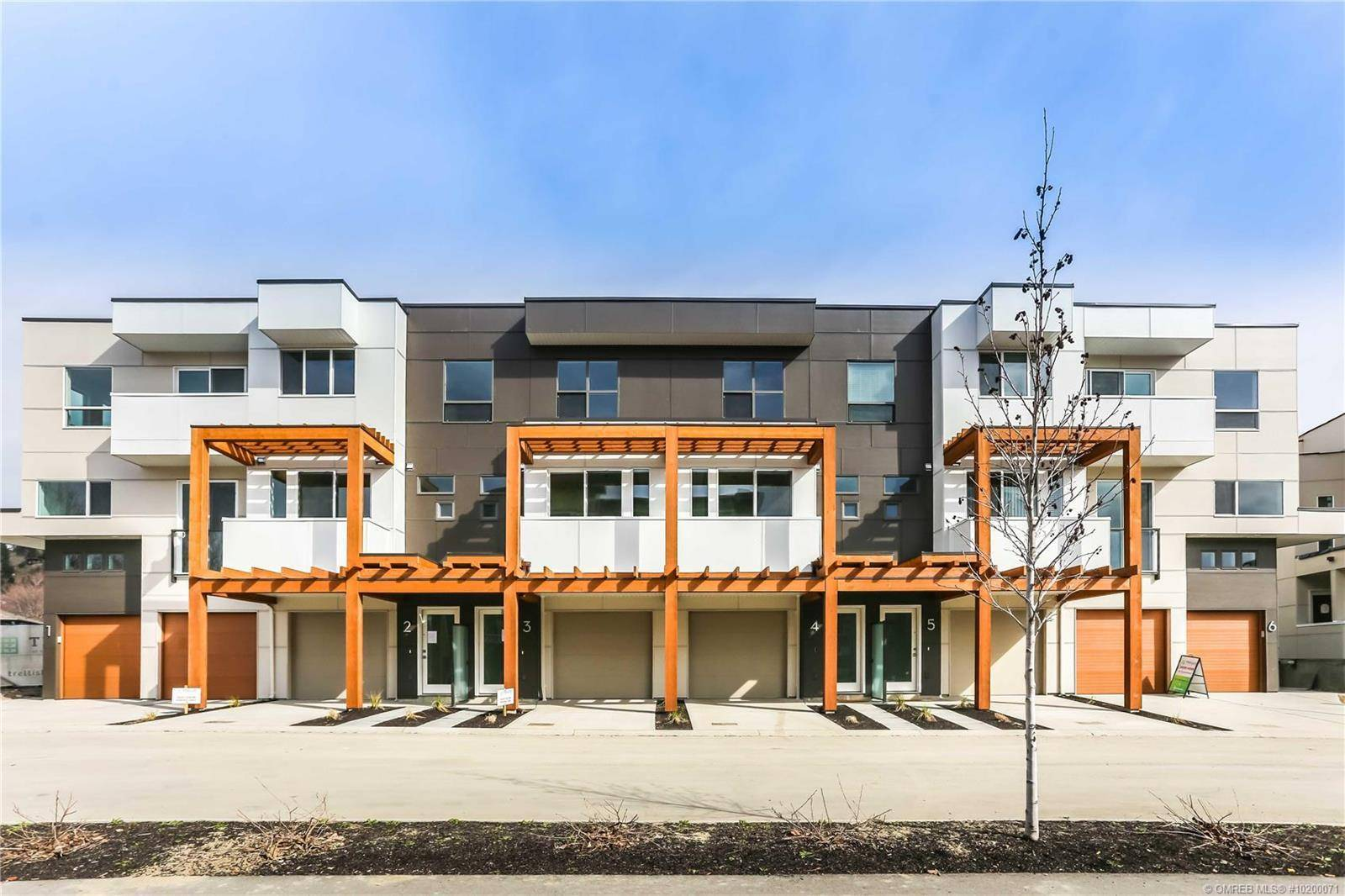 Townhouse for sale at 720 Valley Rd Unit 6 Kelowna British Columbia - MLS: 10200071