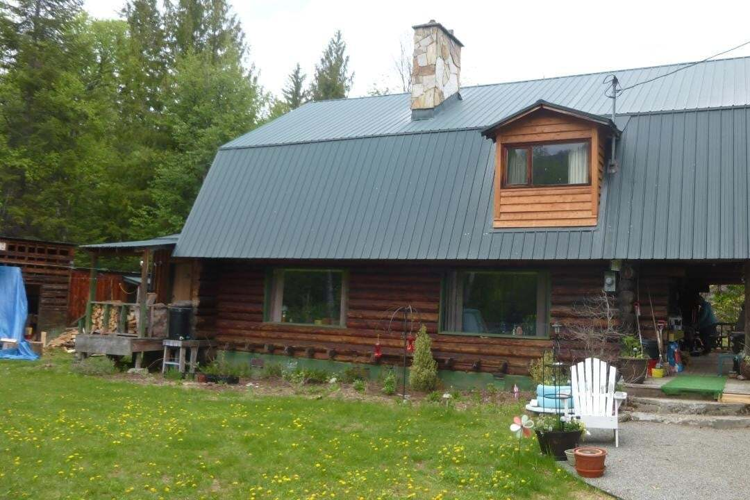 House for sale at 8422 Highway 6 Hy Unit 6 Salmo British Columbia - MLS: 2450248