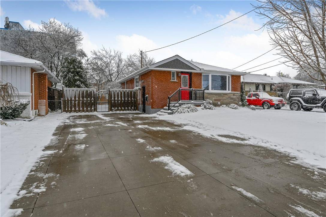 House for sale at 6 Beacon Ave Hamilton Ontario - MLS: H4068832