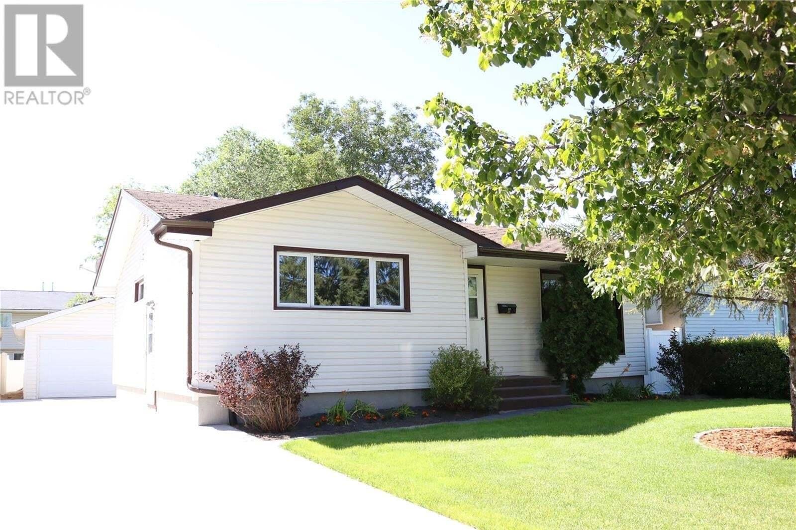 House for sale at 6 Bedford Cres Regina Saskatchewan - MLS: SK827040