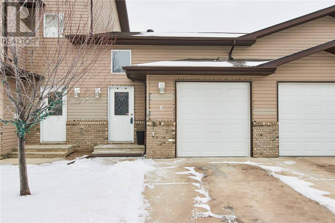 Townhouse for sale at 6 Brentwood Ln Sw Medicine Hat Alberta - MLS: mh0188693