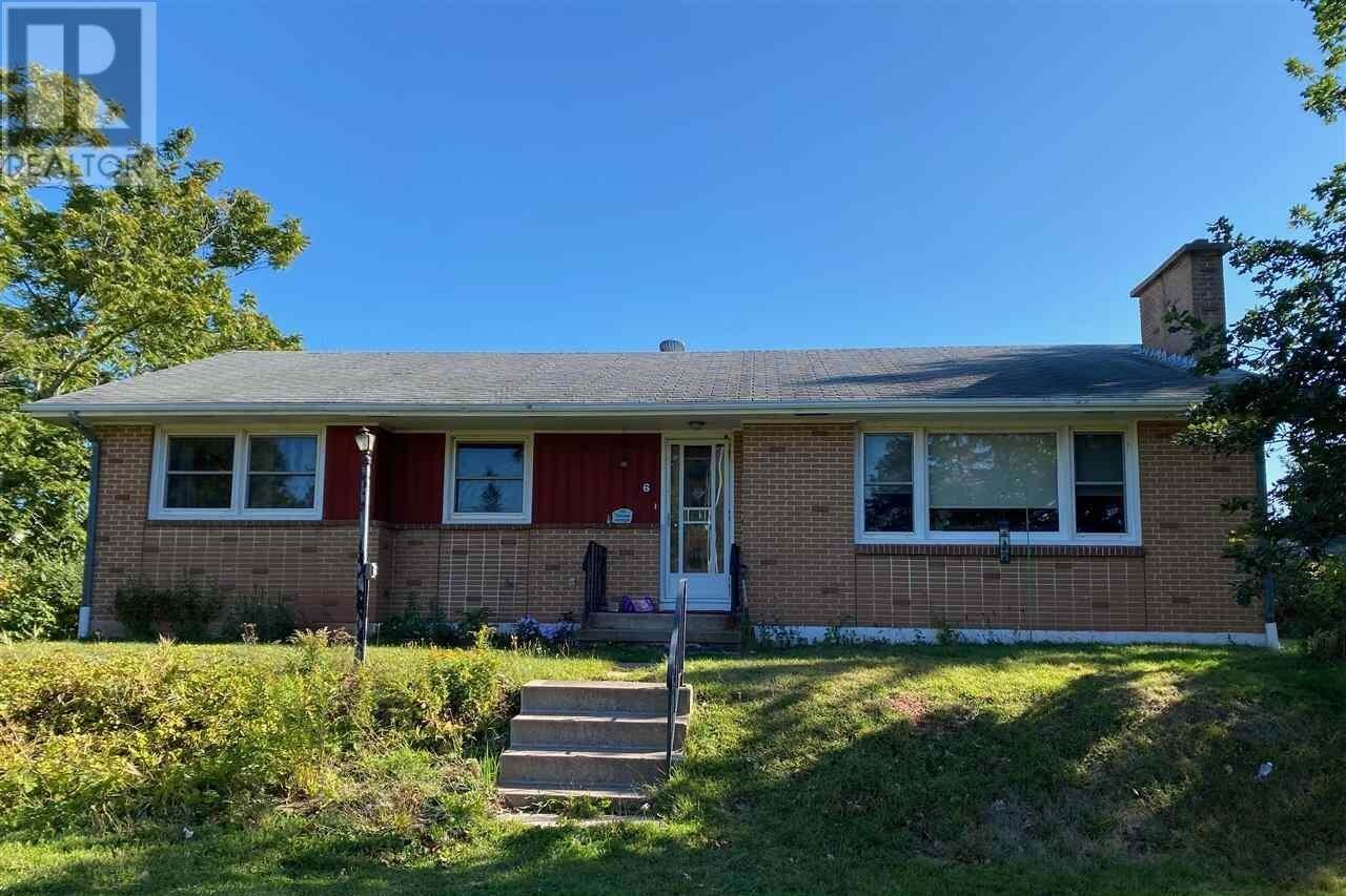 Home for sale at 6 Dairy Ln Stratford Prince Edward Island - MLS: 202019965