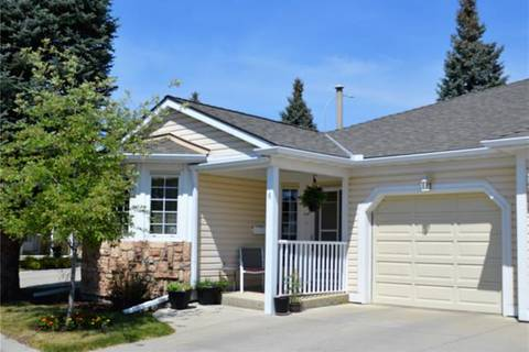 Townhouse for sale at 6 Douglasbank Garden(s) Southeast Calgary Alberta - MLS: C4225662
