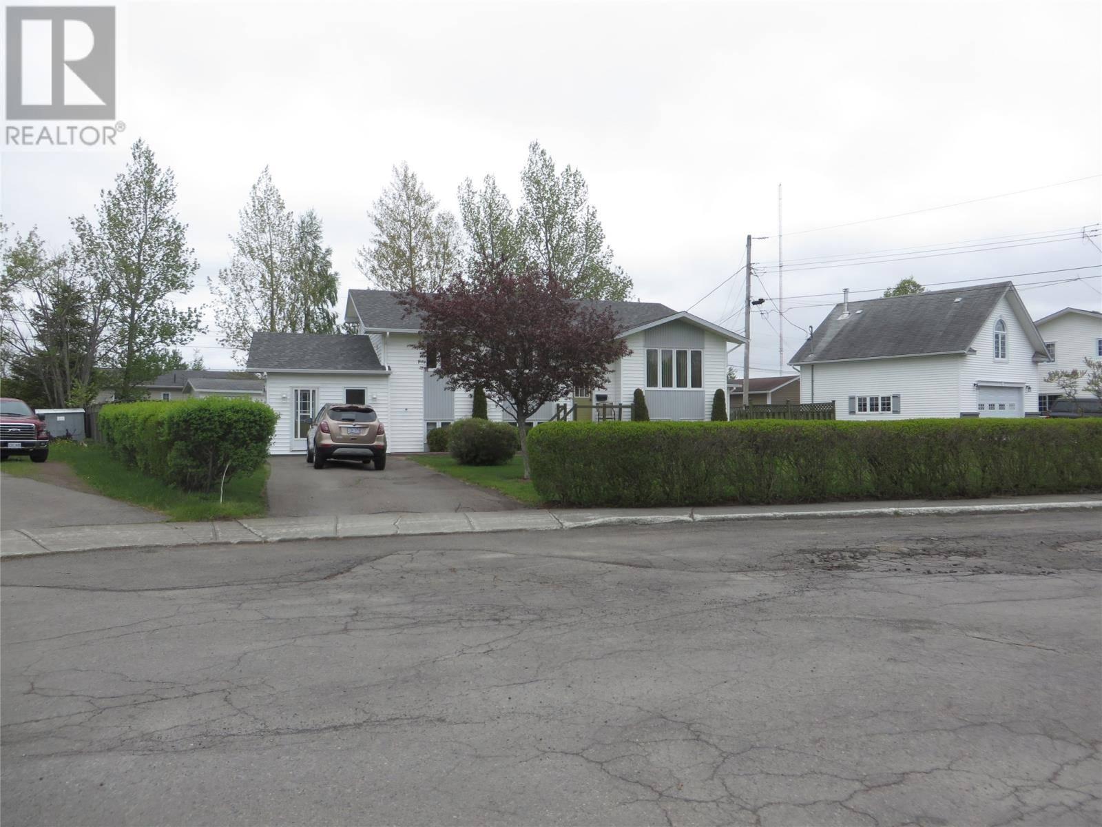 House for sale at 6 Earle Pl Grand Falls-windsor Newfoundland - MLS: 1197856