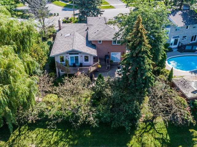 For Sale: 6 Ferbane Place, Toronto, ON   3 Bed, 4 Bath House for $1,599,000. See 20 photos!