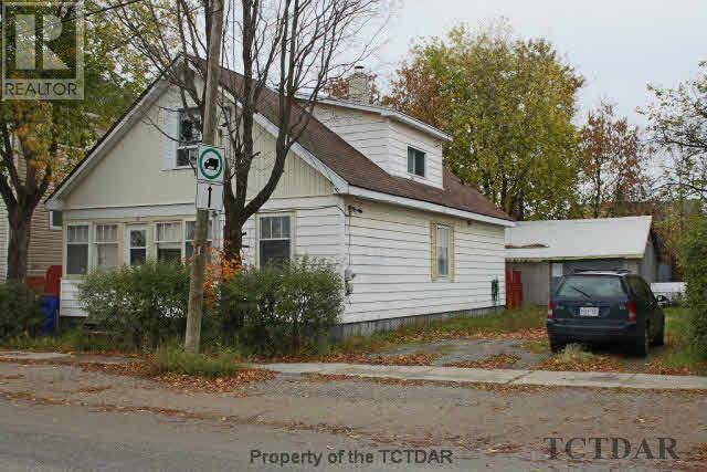 Townhouse for sale at 6 Golden Ave Timmins Ontario - MLS: TM191450