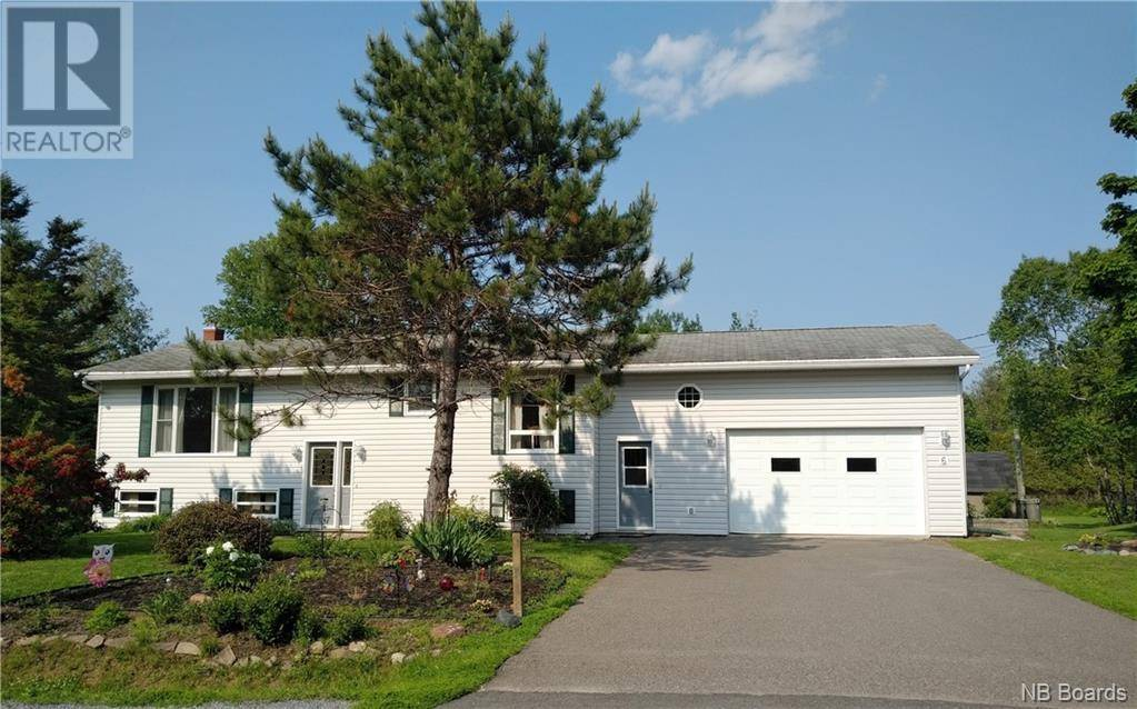 House for sale at 6 Grant Dr Quispamsis New Brunswick - MLS: NB034758
