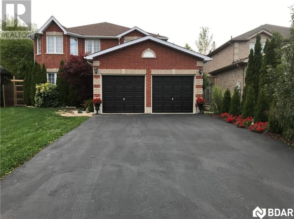 6 Gregory Court, Barrie   Image 1