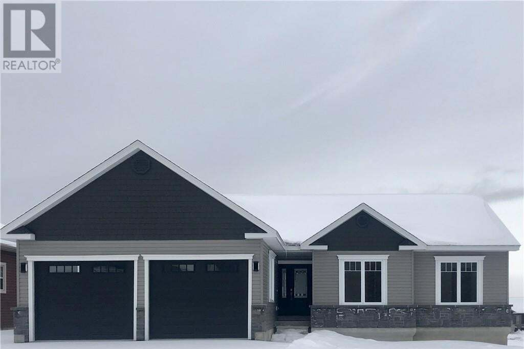 House for sale at 6 Harvest Ct Fredericton New Brunswick - MLS: NB040679
