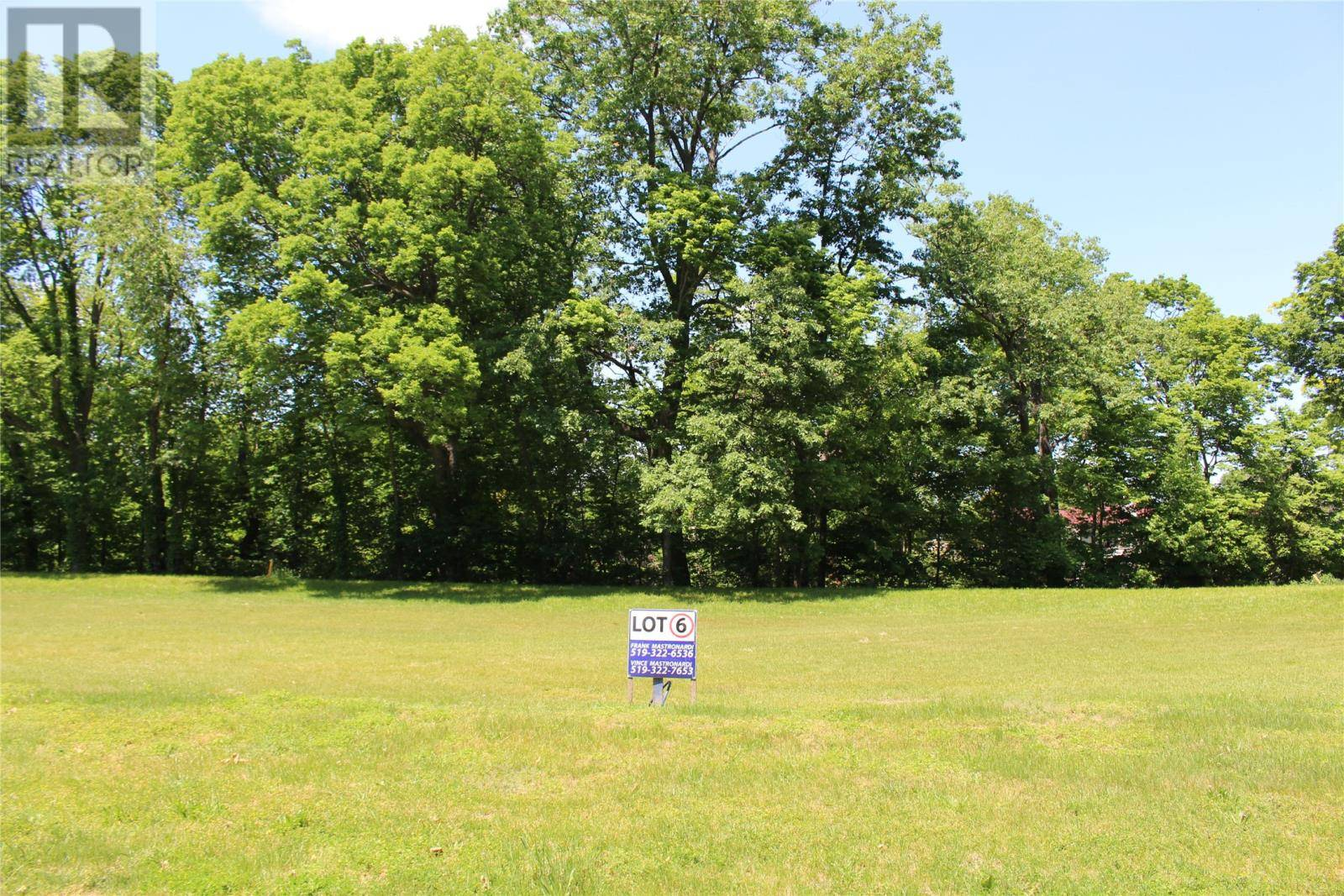 Residential property for sale at LOT 6 Oakglen  Unit 6 Kingsville Ontario - MLS: 1400641