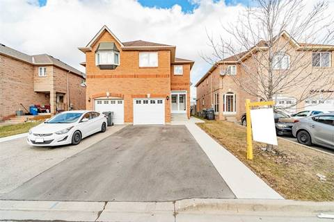 Townhouse for sale at 6 Manett Cres Brampton Ontario - MLS: W4754331