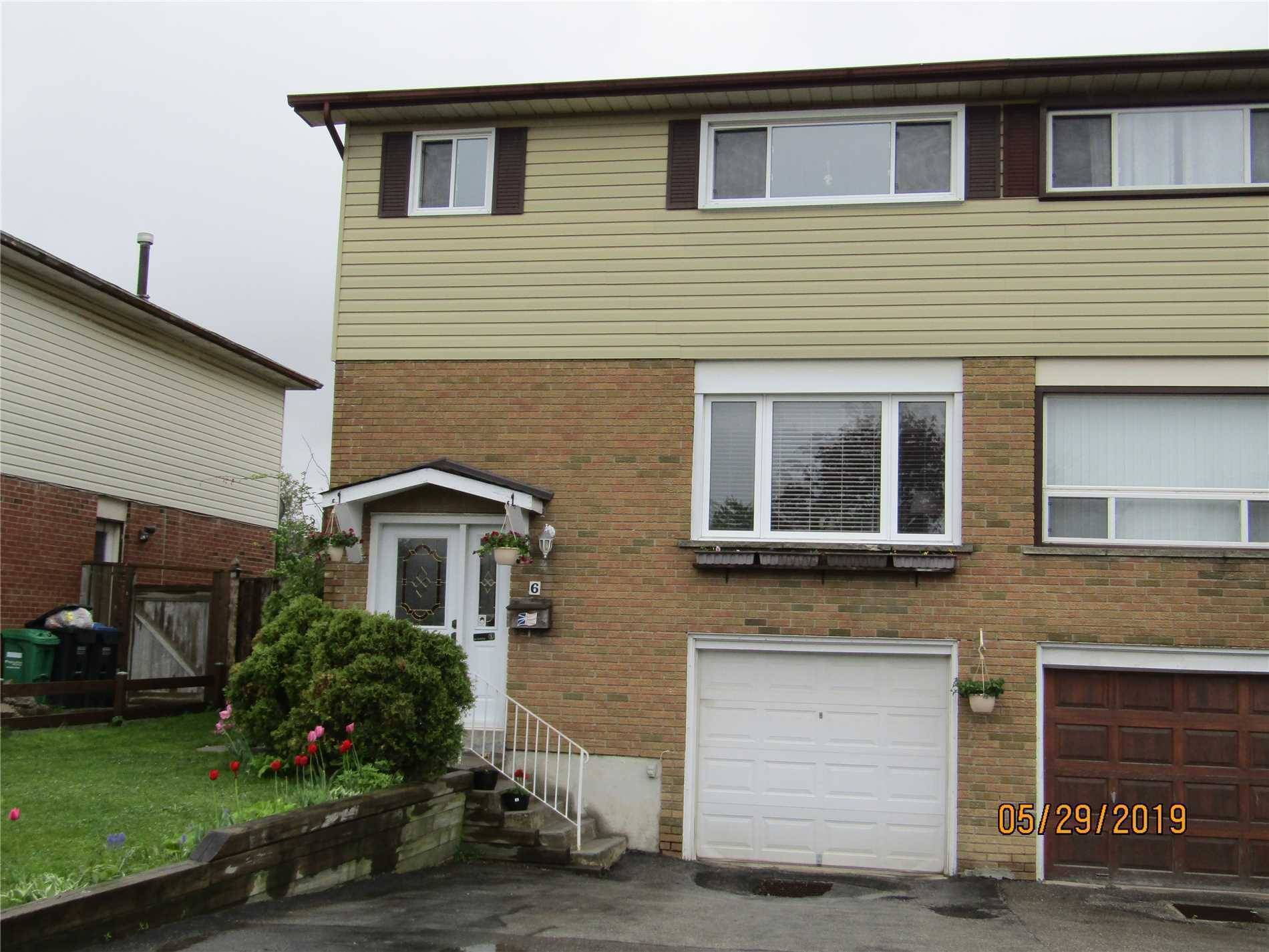 Townhouse for sale at 6 Newlyn Cres Brampton Ontario - MLS: W4450932
