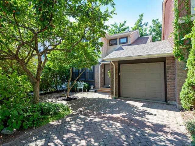 House for sale at 6 Sandusky Crescent Aurora Ontario - MLS: N4254494