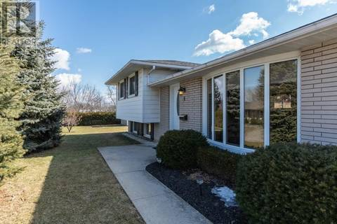 House for sale at 6 Skyline Dr Dundas Ontario - MLS: 30719377