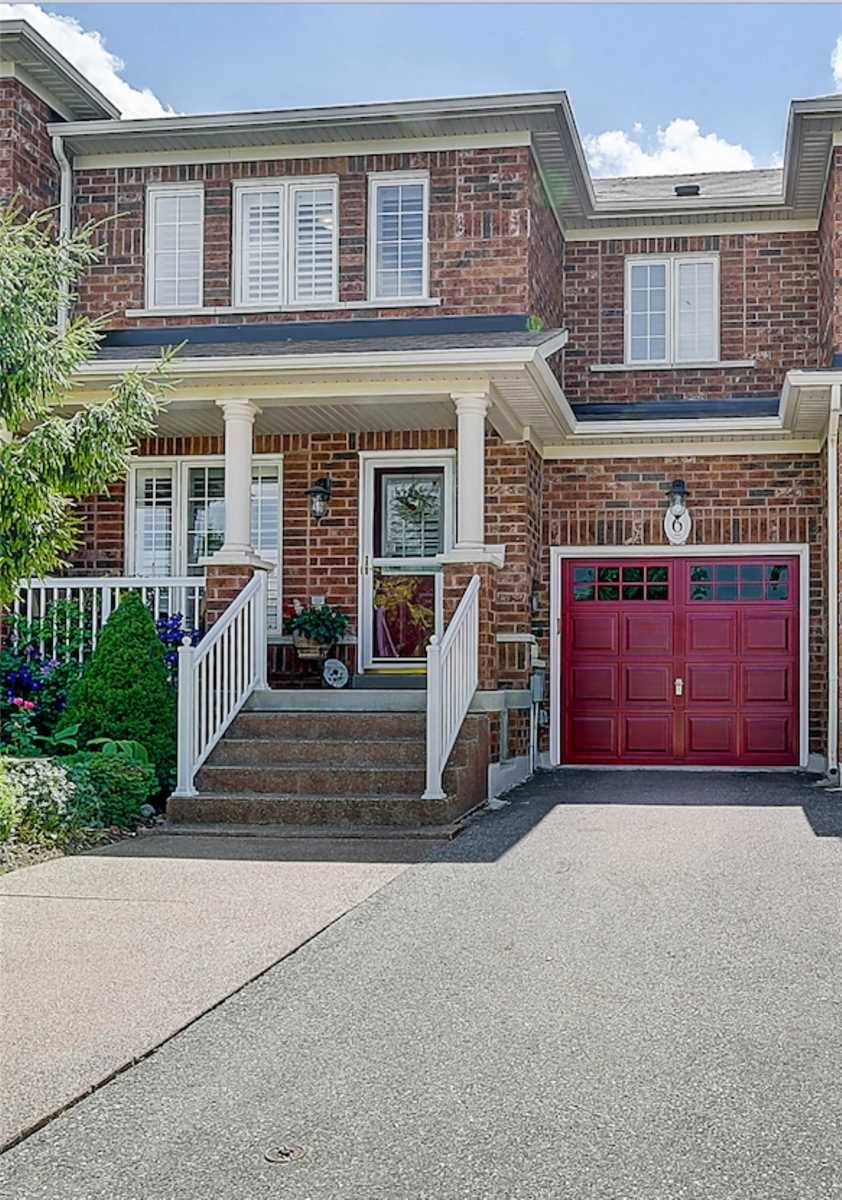 Townhouse for sale at 6 Sled Dog Rd Brampton Ontario - MLS: W4522423