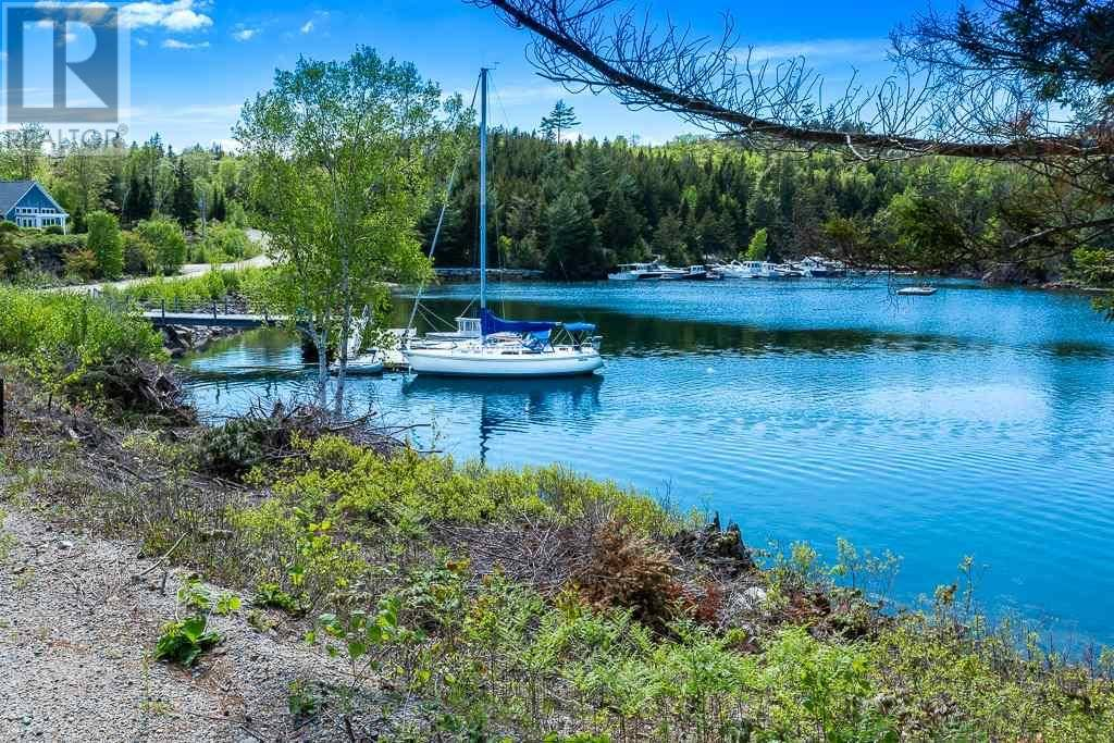 6 Starboard Midship Close, Deep Cove | Image 2