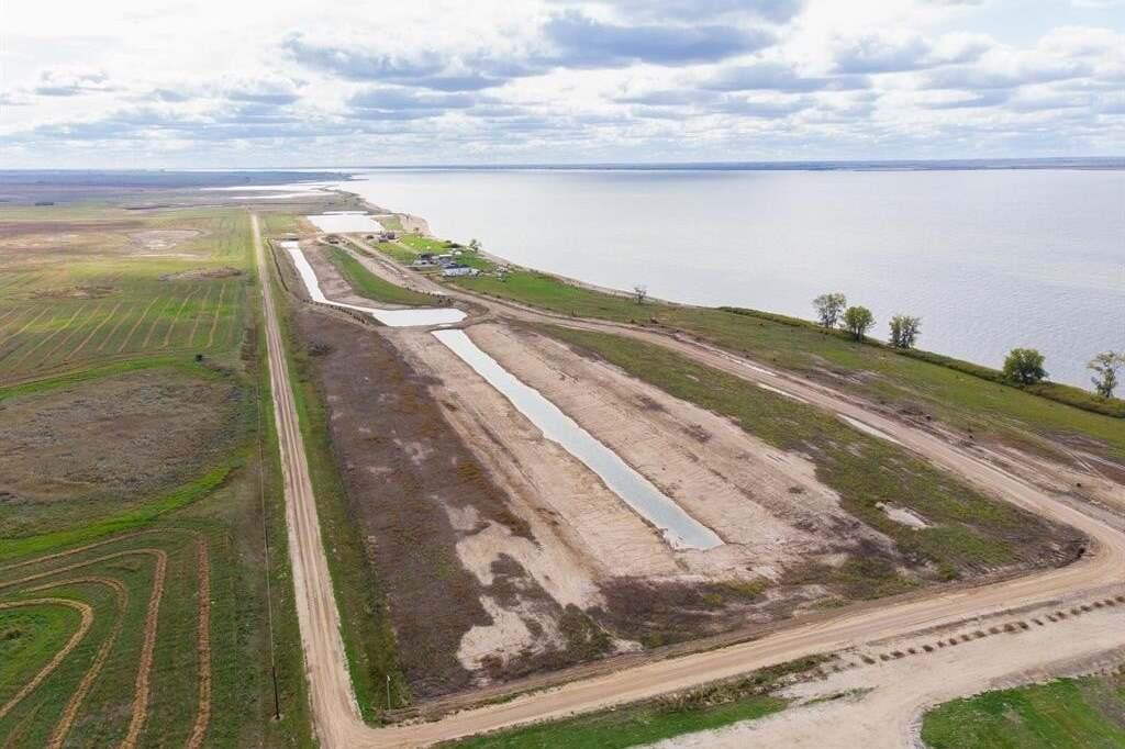 Home for sale at 6 Sunset Acres Rd Last Mountain Lake East Side Saskatchewan - MLS: SK815513