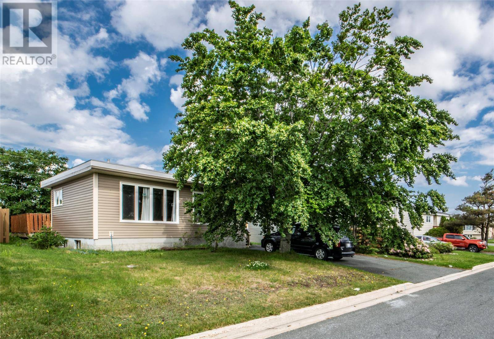 House for sale at 6 Wellington Cres Mount Pearl Newfoundland - MLS: 1207009