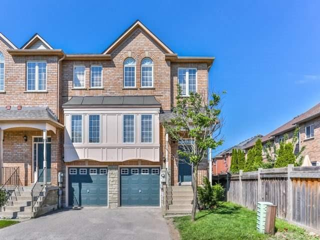 Buliding: 19 Foxchase Avenue, Vaughan, ON