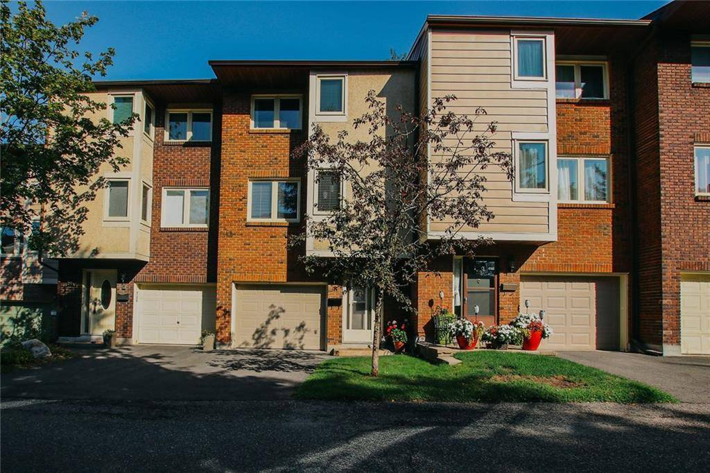 Townhouse for sale at 200 Owl Dr Unit 60 Ottawa Ontario - MLS: 1166285