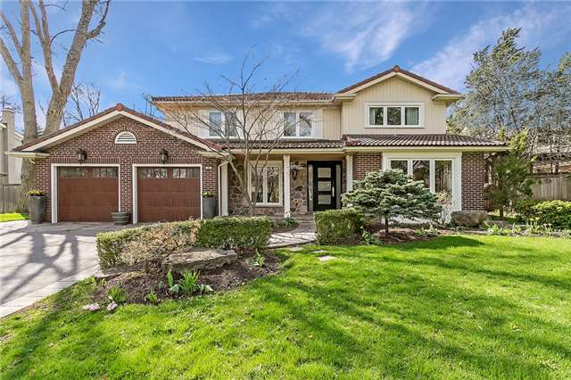 For Sale: 60 Chancery Lane, Oakville, ON | 5 Bed, 4 Bath House for $2,288,000. See 20 photos!
