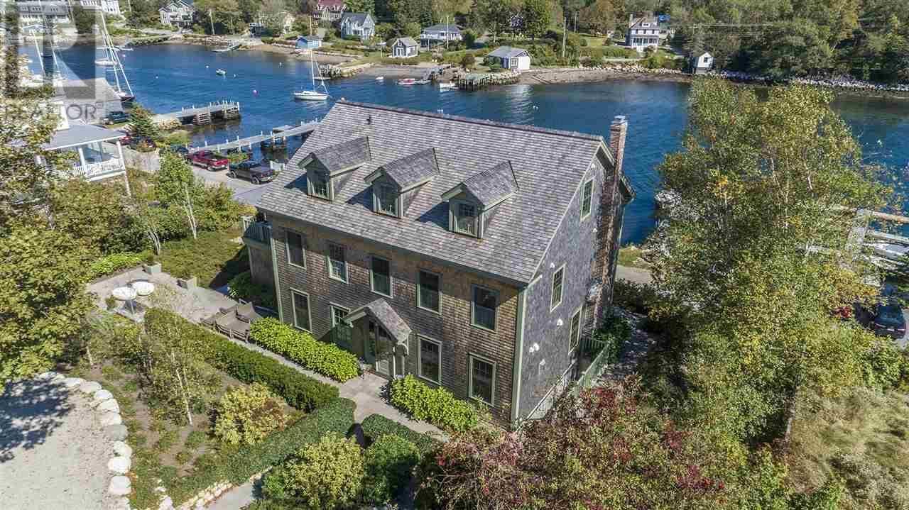 House for sale at 60 Duke St Chester Nova Scotia - MLS: 201923109