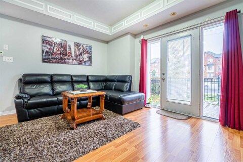 Condo for sale at 60 Fairwood Circ Brampton Ontario - MLS: W4968399
