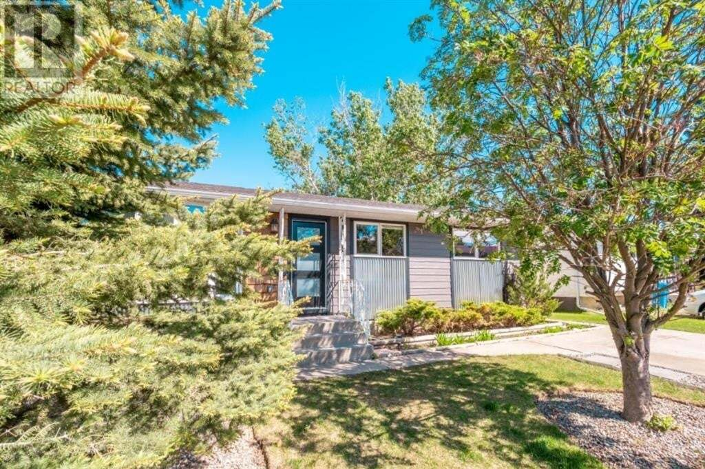 House for sale at 60 Lemoyne Cres West Lethbridge Alberta - MLS: A1002529