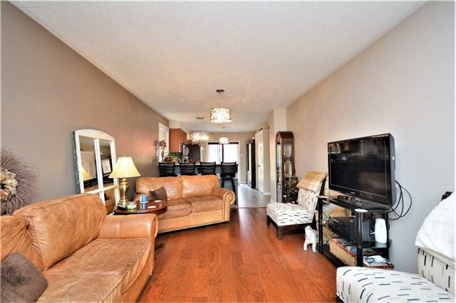 For Sale: 60 Livingstone Street, Barrie, ON   2 Bed, 2 Bath House for $550,000. See 20 photos!