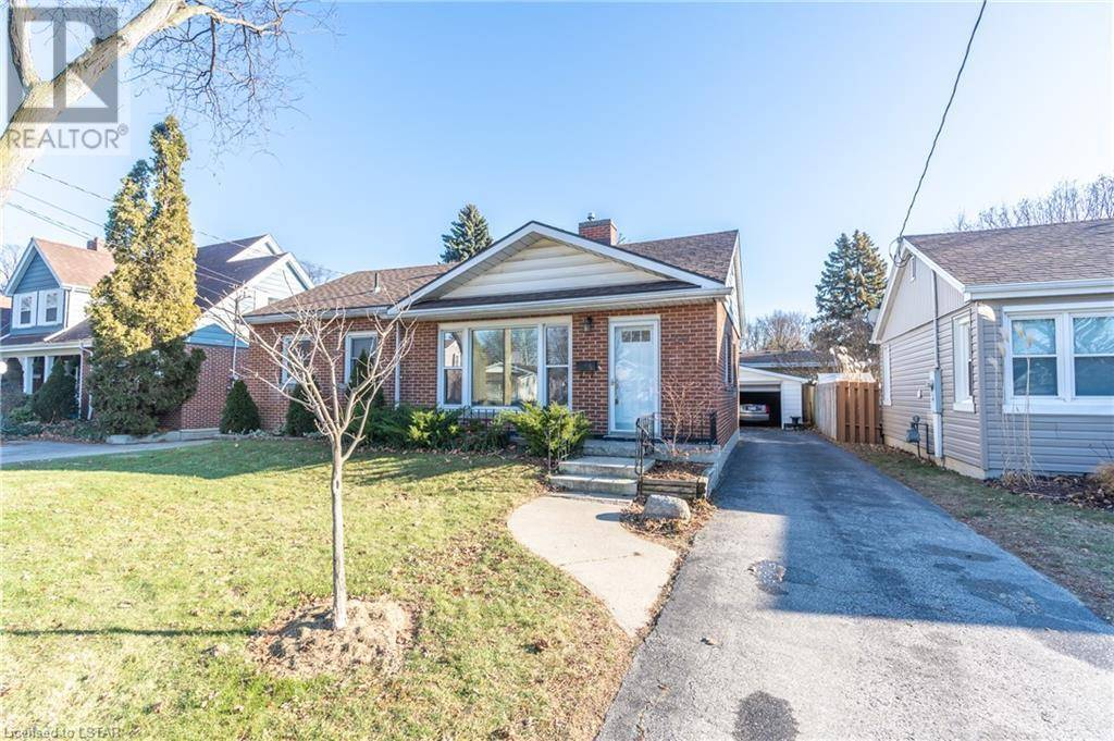 House for sale at 60 Mcnaughton Ave Chatham Ontario - MLS: 238170