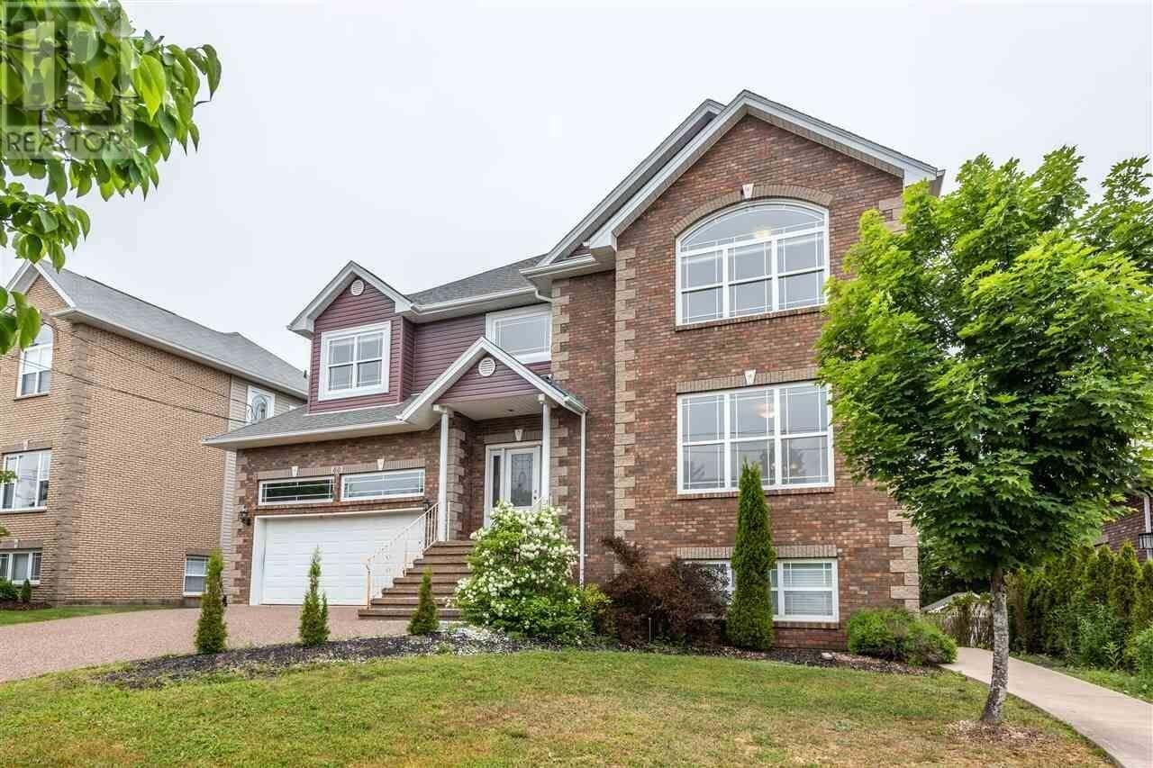 House for sale at 60 Strathaven Cs Bedford Nova Scotia - MLS: 202012507