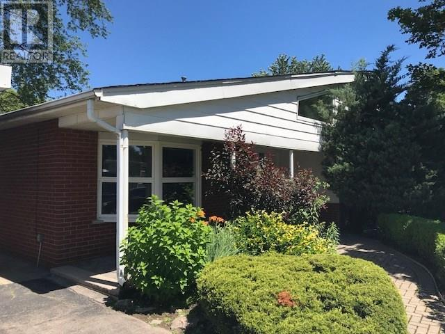 Sold: 600 Weynway Court, Oakville, ON
